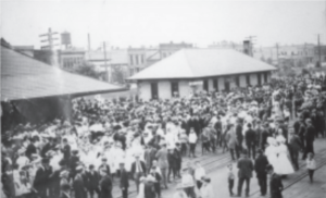 Nearly 6,000 people waited at the Willmar depot to catch a glimpse of President Roosevelt. (KCHS Archives)